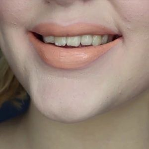 Jeffree star velour liquid lipstick Nude beach